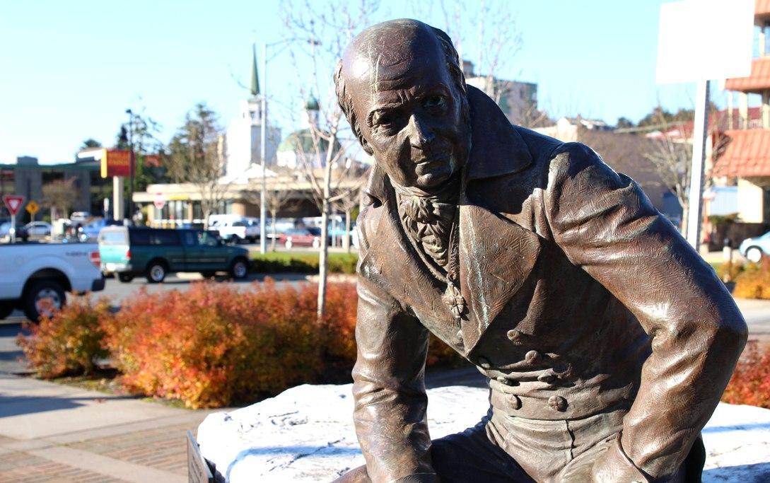 На Аляске начался демонтаж памятника правителю русских владений