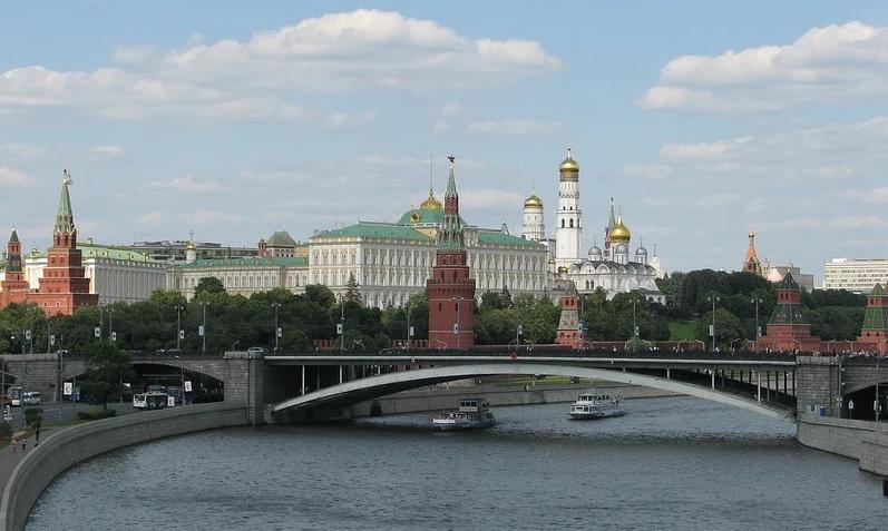 Песков отреагировал на выдвижение Путина на Нобелевскую премию мира