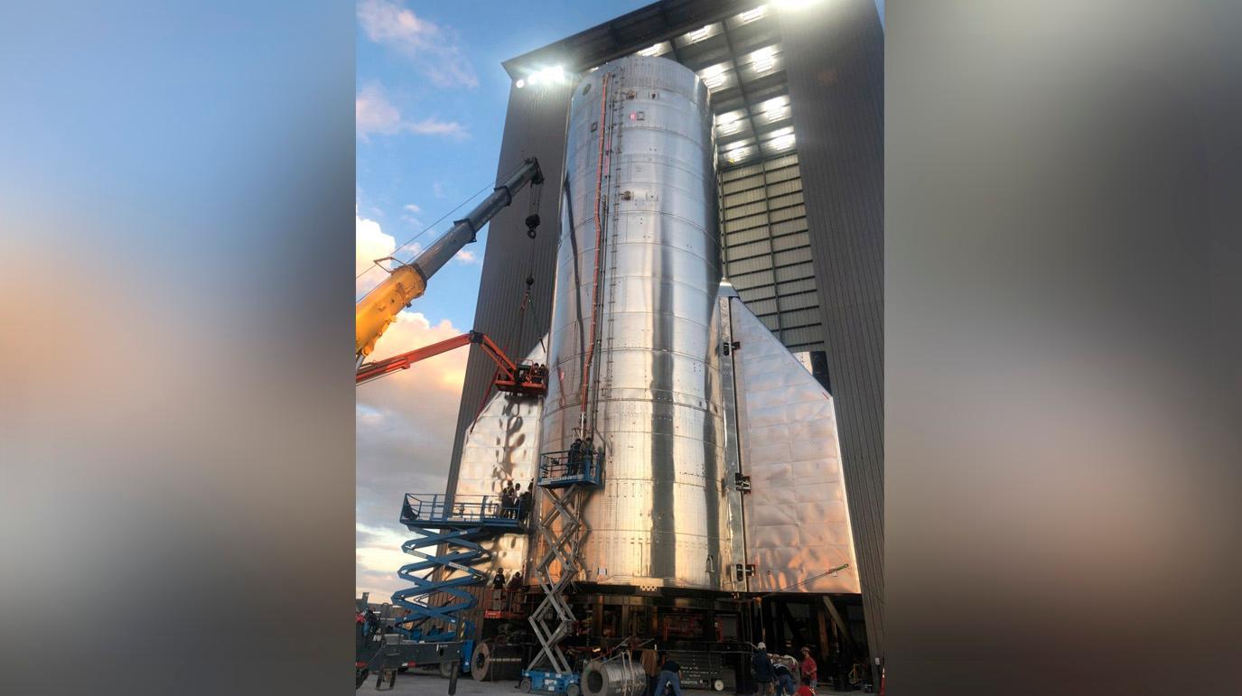 Маск опубликовал снимок космического корабля Starship с хвостовым оперением