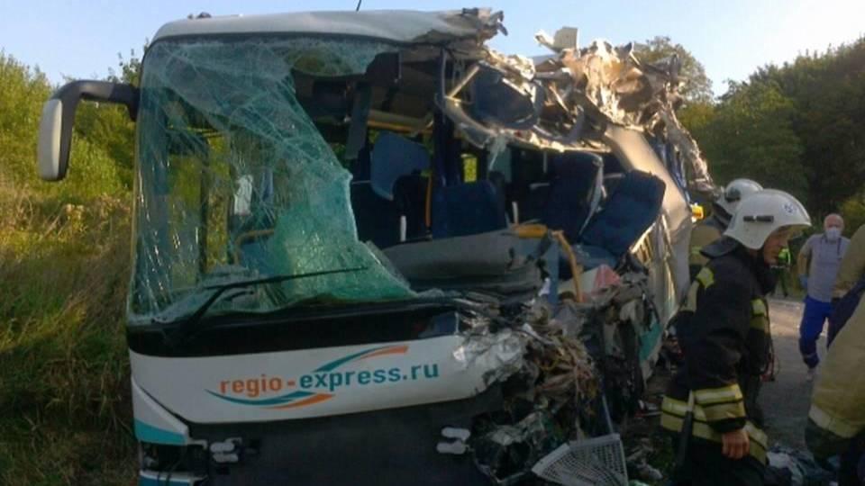 Количество жертв страшного ДТП с автобусом в Калининградской области возросло до семи