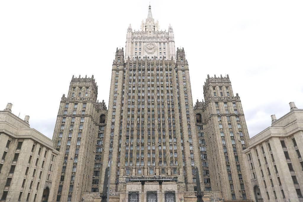 МИД России призвал стороны конфликта в Карабахе немедленно прекратить огонь