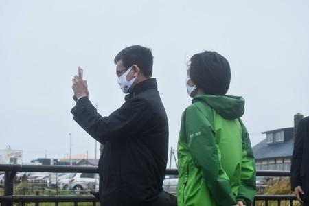"""""""Инспекция с противоположного берега"""". Нового японского министра раскритиковали за удалённый осмотр Курил"""