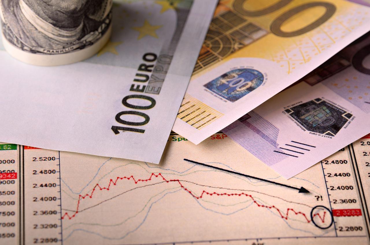 Курс евро впервые с 2016 года достиг 92 рублей