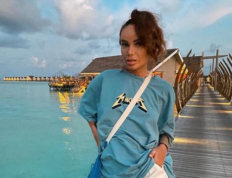 Искали наркотики и оружие. Айза Анохина рассказала о трёх часах в полиции на Мальдивах