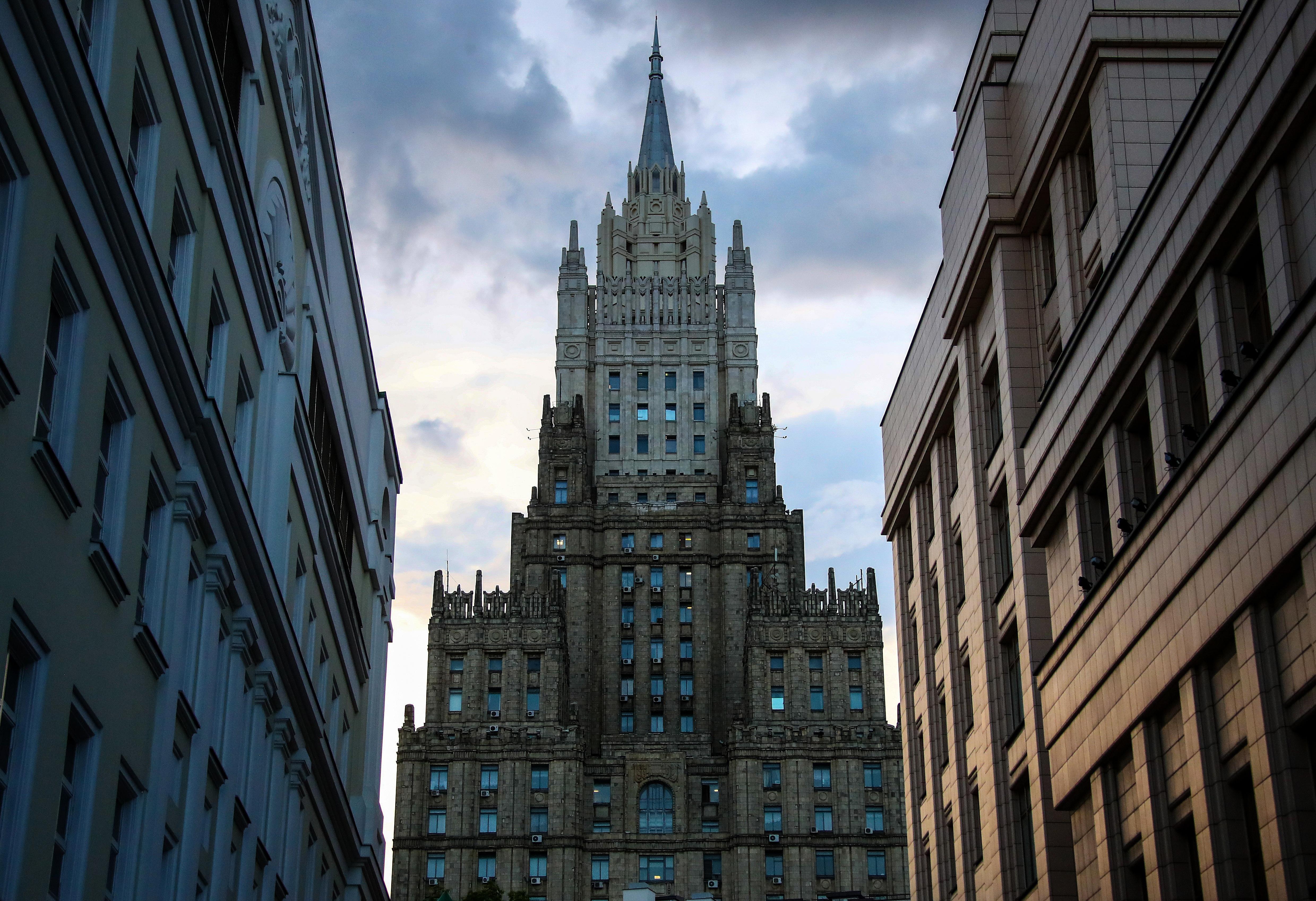 В МИД РФ назвали визит Меркель к Навальному попыткой политизировать ситуацию