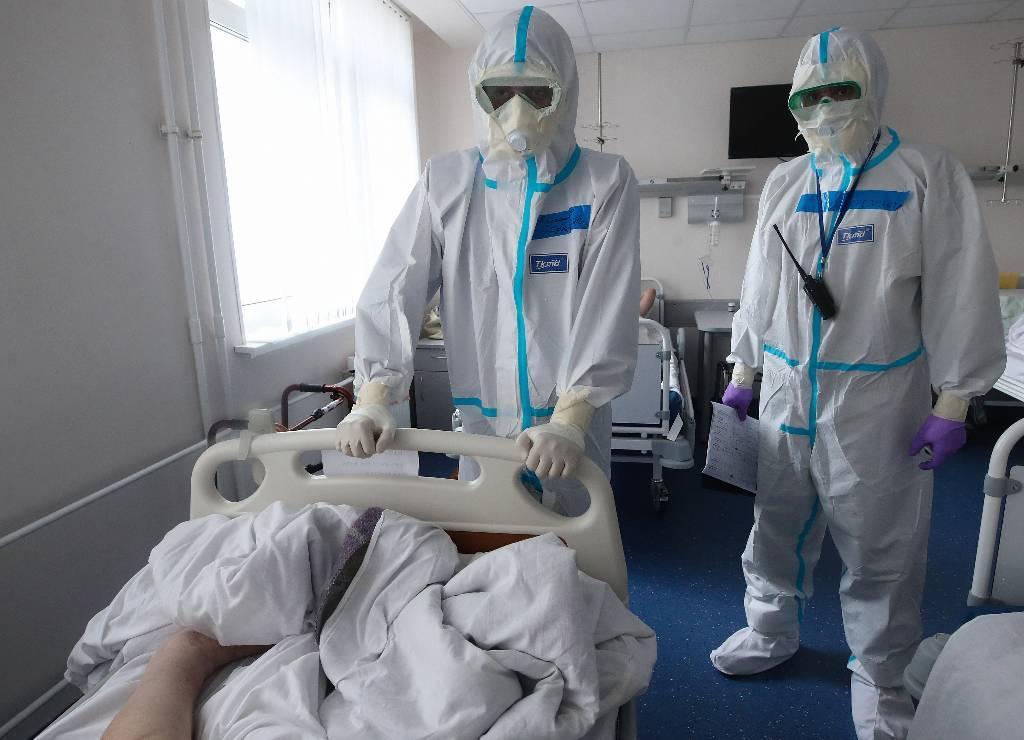 Врачи из Чувашии спасли пациентку с коронавирусом и стопроцентным поражением лёгких