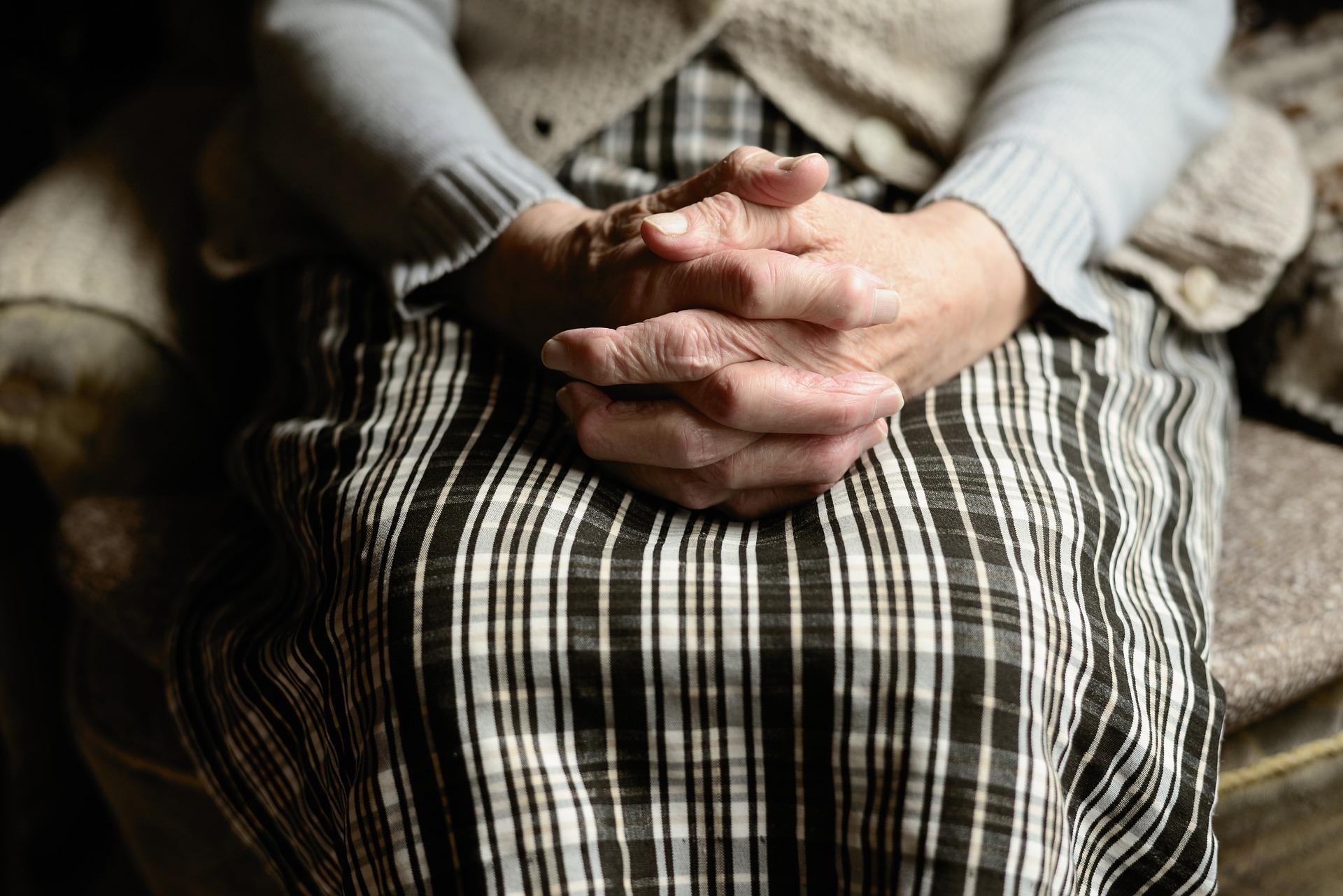 В Ростовской области молодой уголовник изнасиловал 89-летнюю бабушку