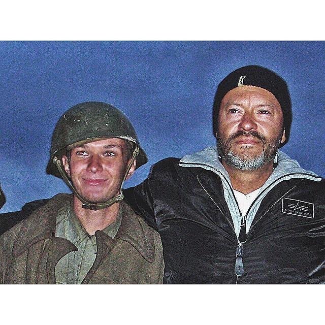 """Стас Думкин с Бондарчуком на съёмках фильма """"Сталинград"""". Фото © instagram.com"""