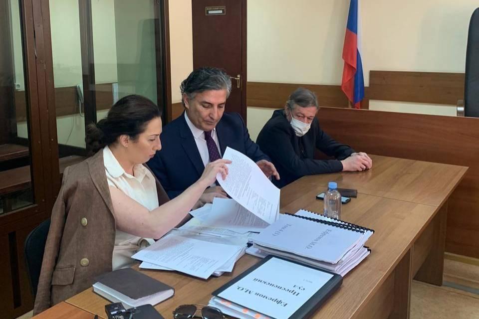 Ефремов официально отказался от услуг Пашаева