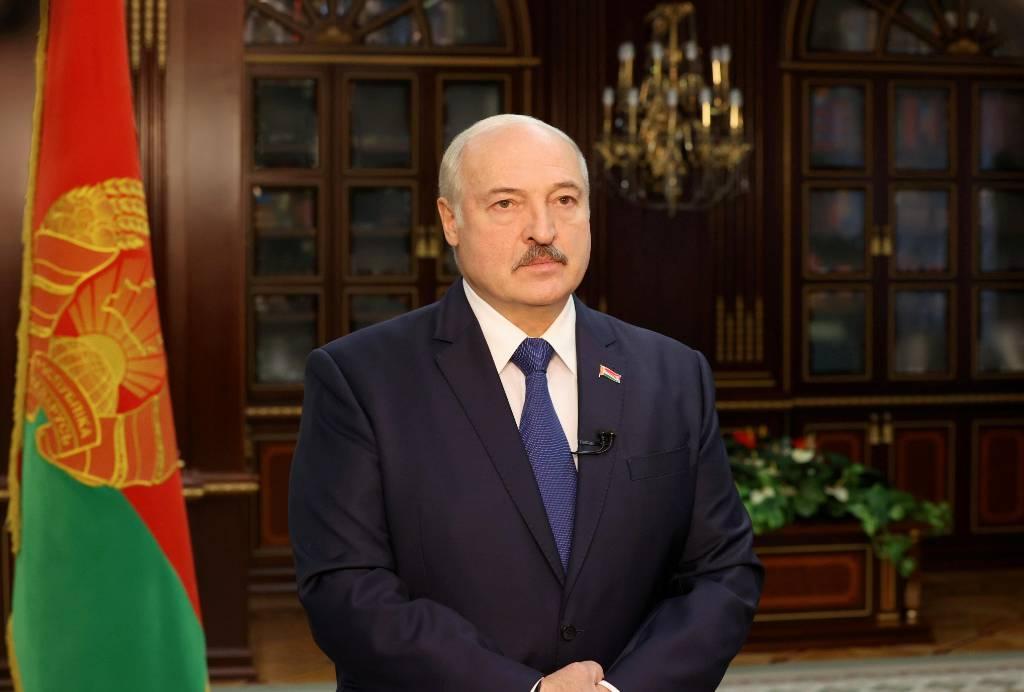 Лукашенко обсудил ситуацию в Карабахе с Пашиняном и Алиевым
