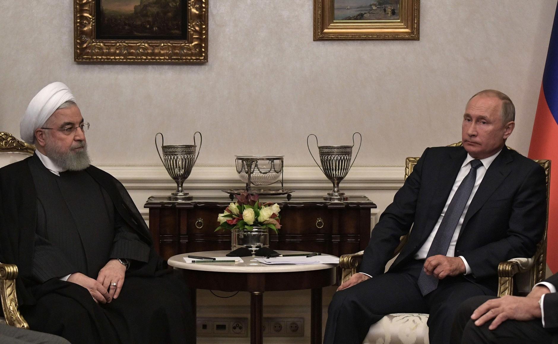 <p>Президент РФ Владимир Путин и президент Ирана Хасан Рухани. Фото © Kremlin</p>