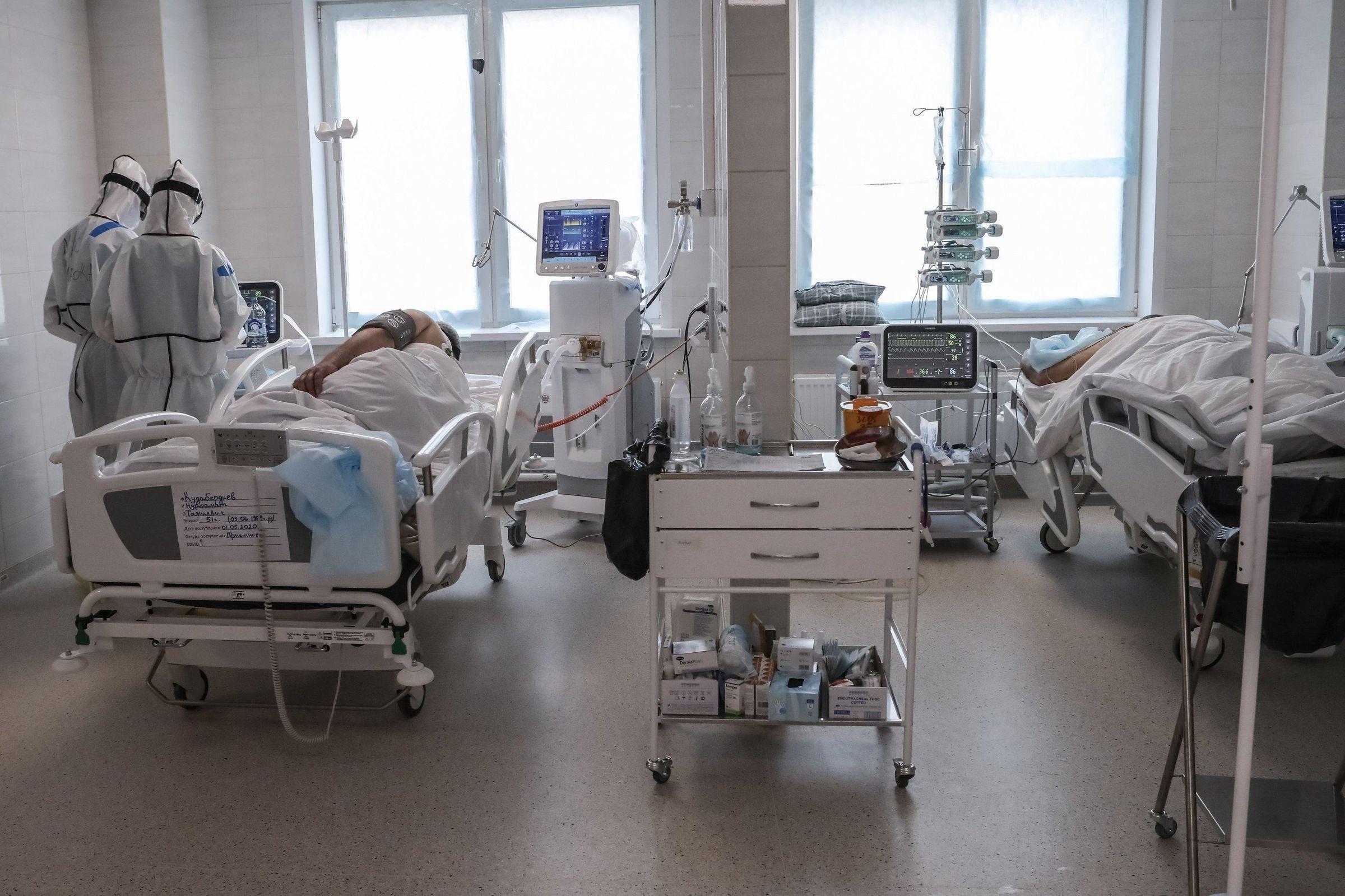 """""""Снимают маски, чтобы умереть"""". Украинский врач рассказала о мучениях пациентов с коронавирусом"""