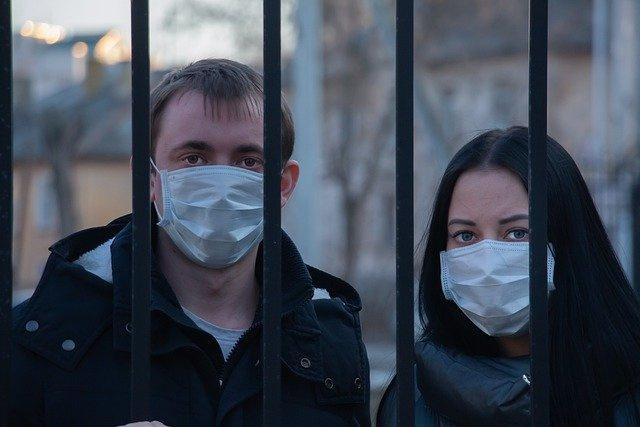 В Госдуме предложили разрешить носить маски на митингах