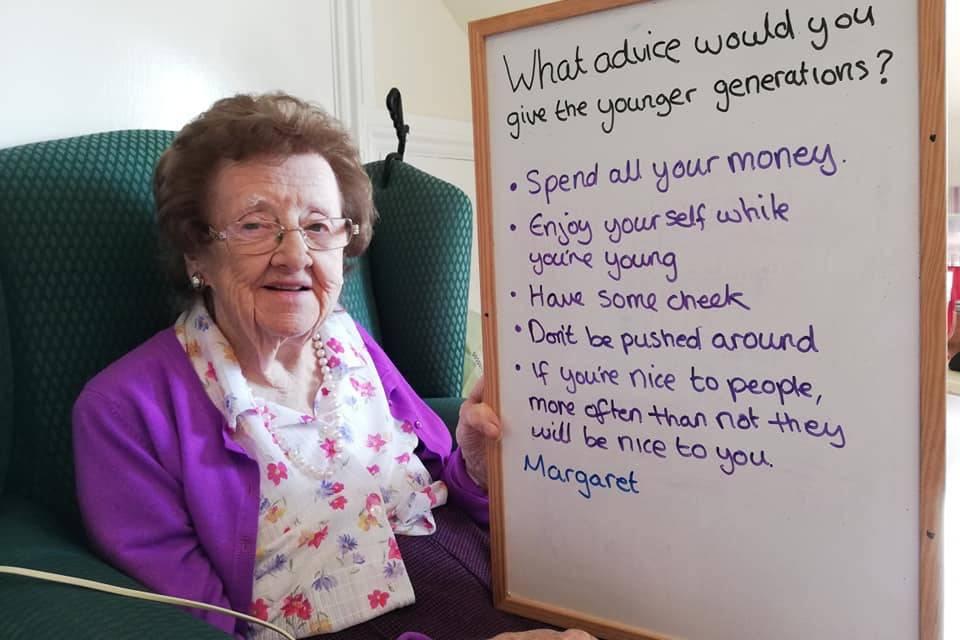 Старики из дома престарелых дали совет молодёжи, и их мудрые слова разобрали на цитаты