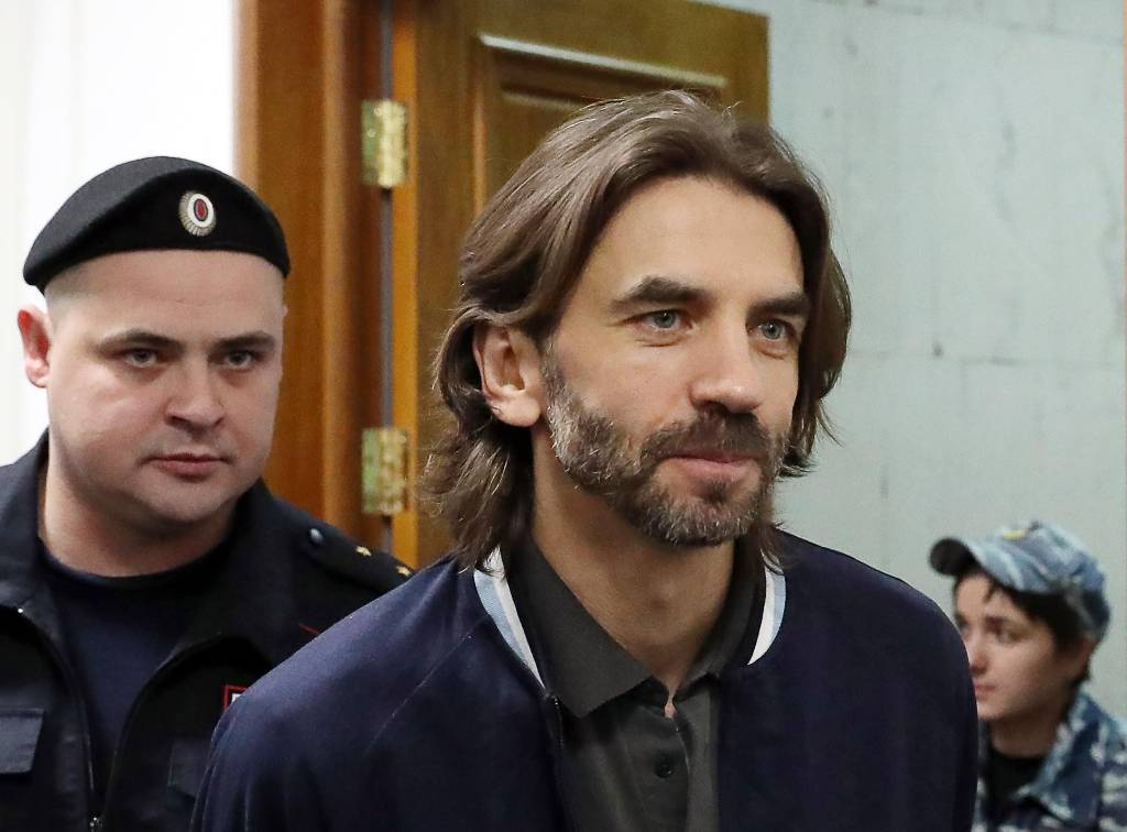 Суд взыскал рекордную для России сумму с бывшего министра Абызова в пользу государства