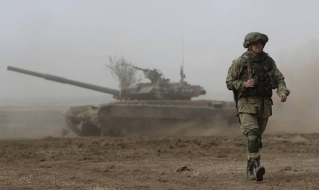 В Минфине предложили сократить 100 тысяч должностей в российской армии