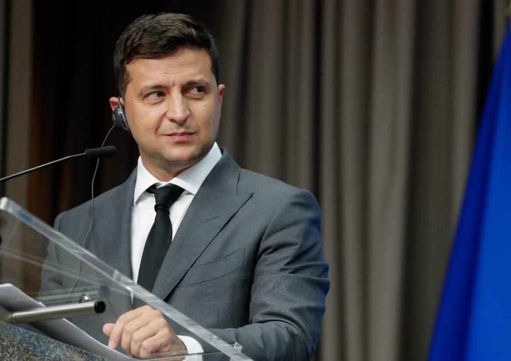 """Зеленский заявил о строительстве """"войска"""" для защиты Украины на суше, в воде, воздухе и киберпространстве"""