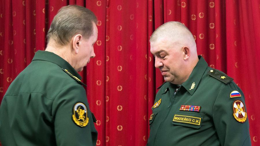 Сергей Милейко (слева) с Виктором Золотовым (справа). Фото © Новый взгляд