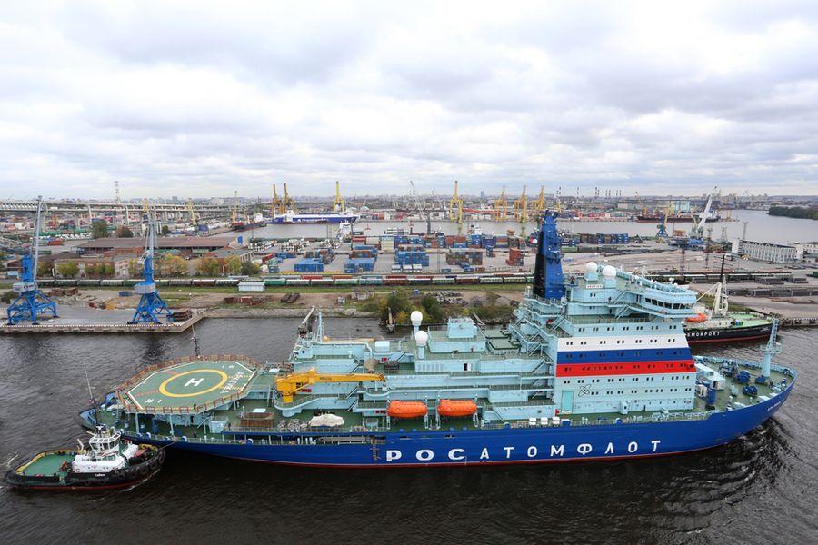 Российский флот пополнился самым мощным атомным ледоколом в мире