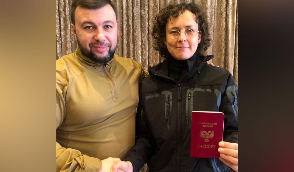 """""""Теперь я дончаночка"""". Чичерина стала гражданкой ДНР"""