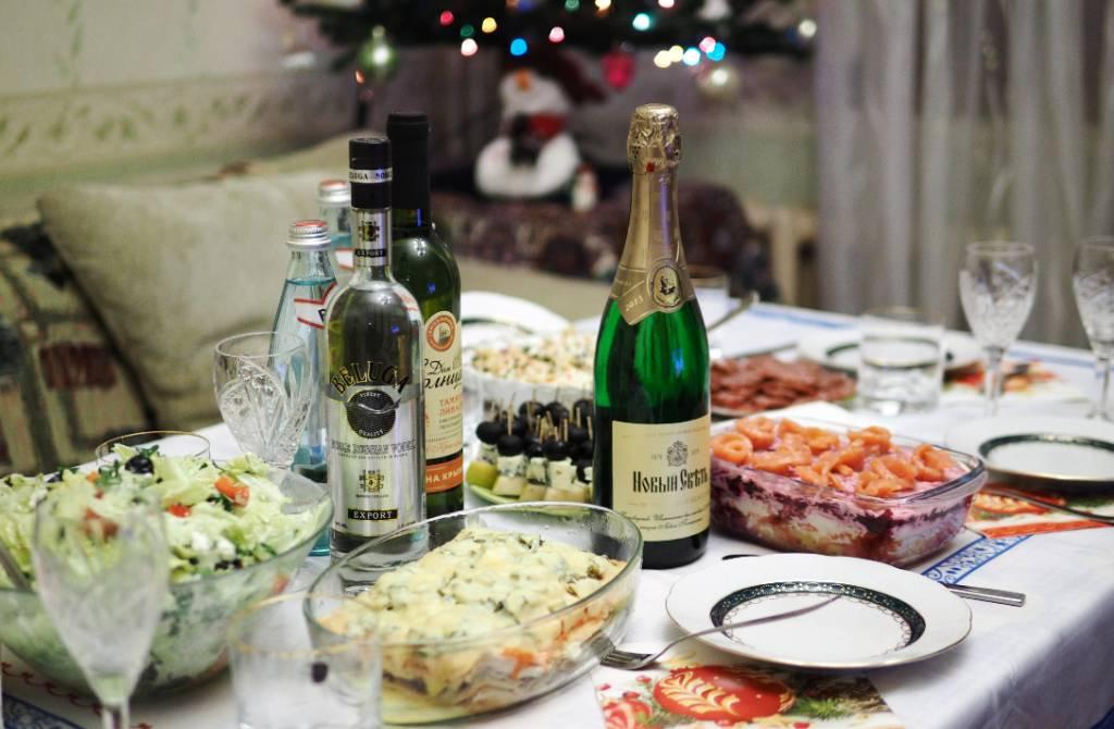 Минус 15 лет жизни. Учёные выявили у россиян зимнюю пищевую зависимость