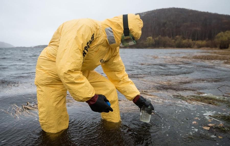 """<p>Фото © <a href=""""https://greenpeace.ru/news/2020/10/14/rossijskij-greenpeace-poluchil-pervye-rezultaty-prob/"""" target=""""_blank"""" rel=""""noopener noreferrer"""">Greenpeace</a> <a href=""""https://greenpeace.ru/news/2020/10/14/rossijskij-greenpeace-poluchil-pervye-rezultaty-prob/"""" target=""""_blank"""" rel=""""noopener noreferrer"""">/ </a><a href=""""https://greenpeace.ru/news/2020/10/14/rossijskij-greenpeace-poluchil-pervye-rezultaty-prob/"""" target=""""_blank"""" rel=""""noopener noreferrer"""">Дмитрий Шаромов</a></p>"""