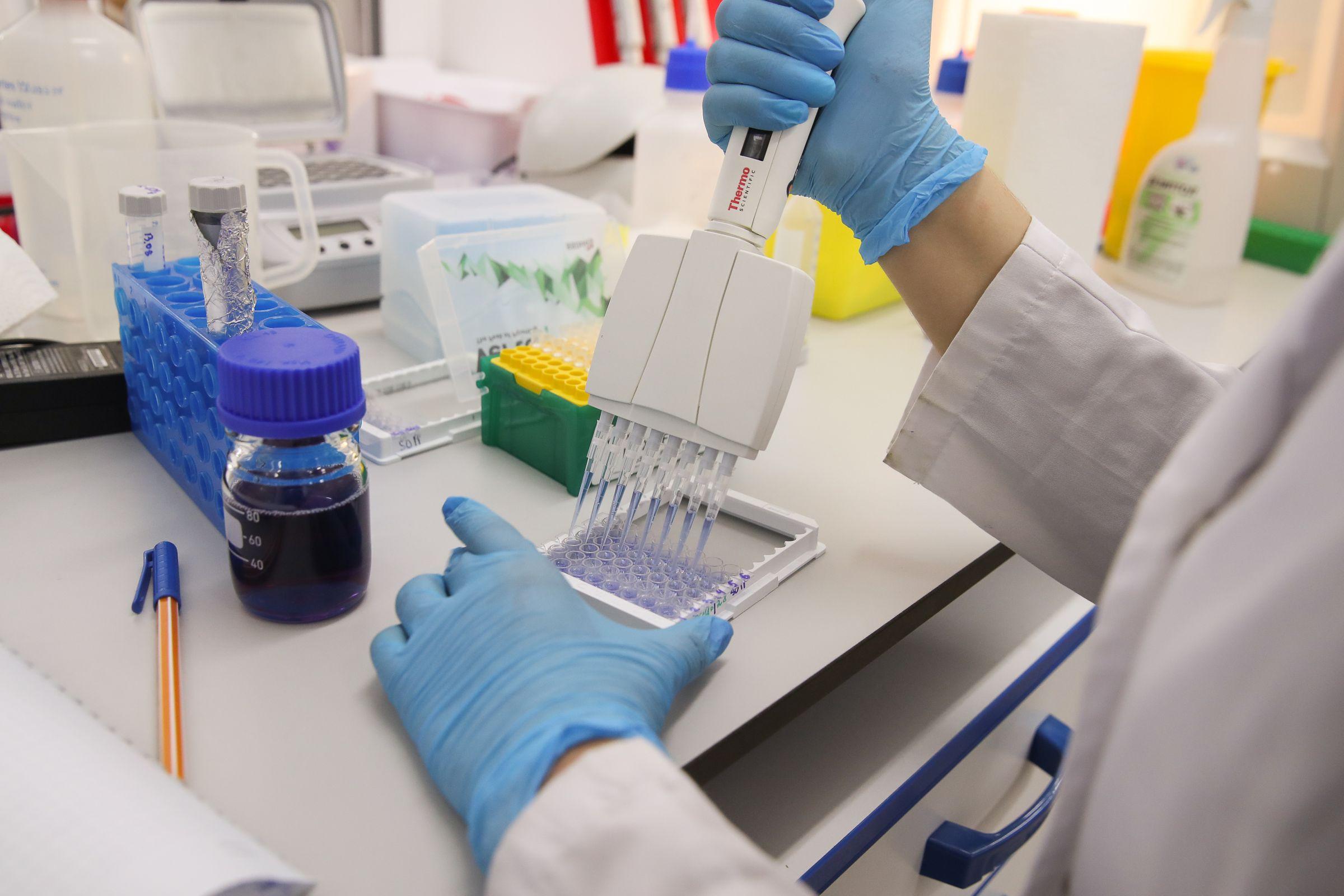 """Подмосковные фармацевты открыли """"противоковидные"""" свойства препарата от гриппа"""