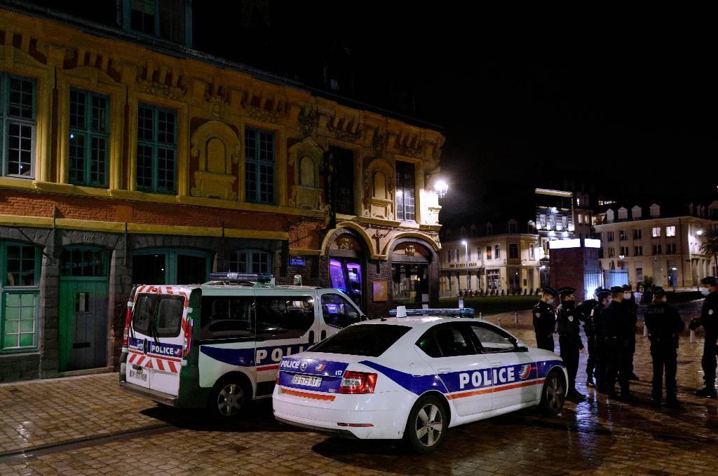 Французскую студентку приговорили за комментарий об убитом учителе