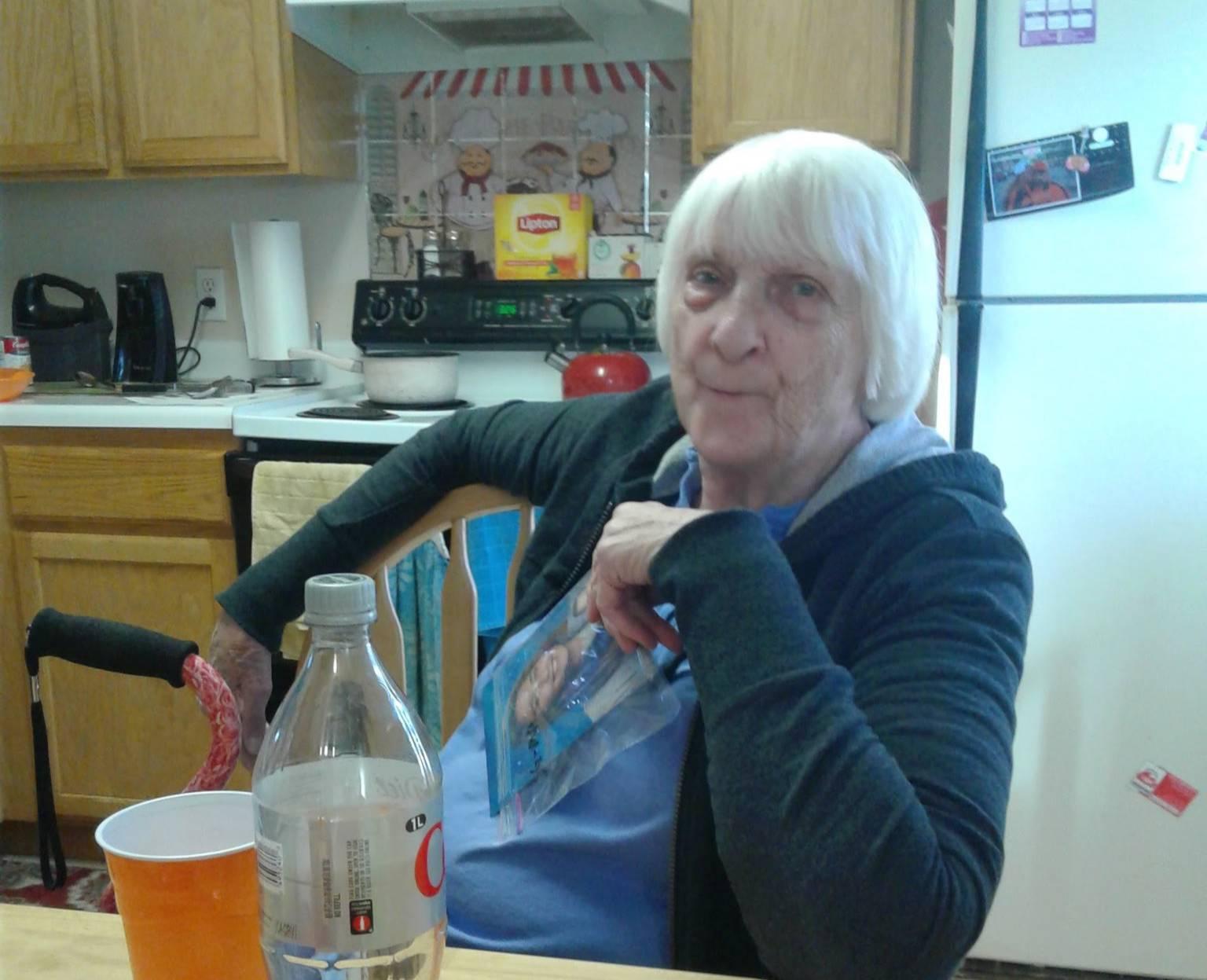 """Дочь убила собственную 84-летнюю маму, заявив, что теперь та """"в лучшем мире"""""""