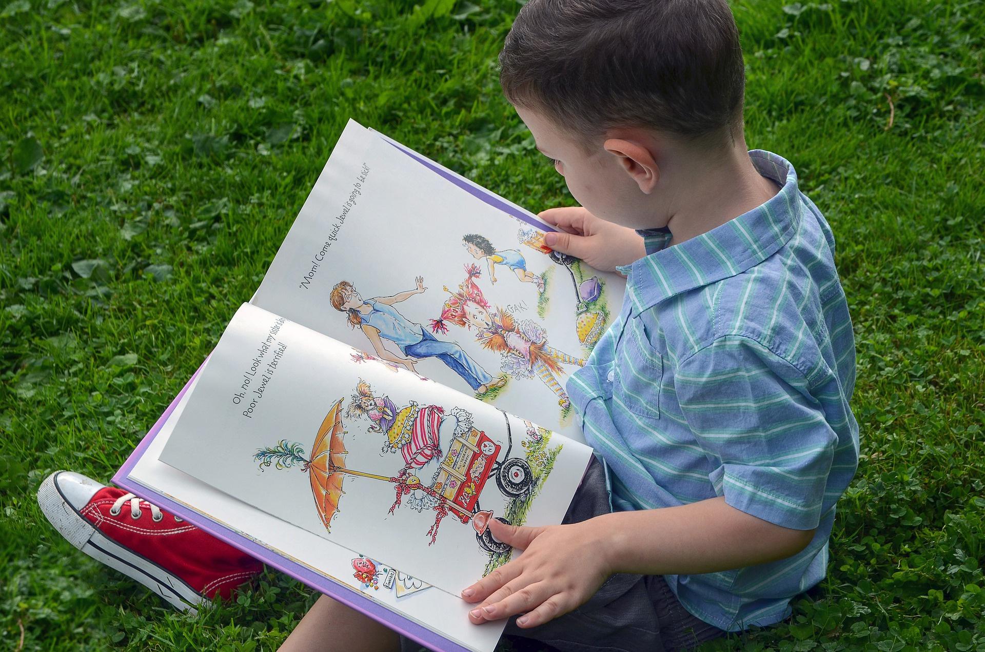 """Путину пожаловались на """"абсурдную"""" маркировку детских книг. """"Малыш и Карлсон"""" — 16+"""
