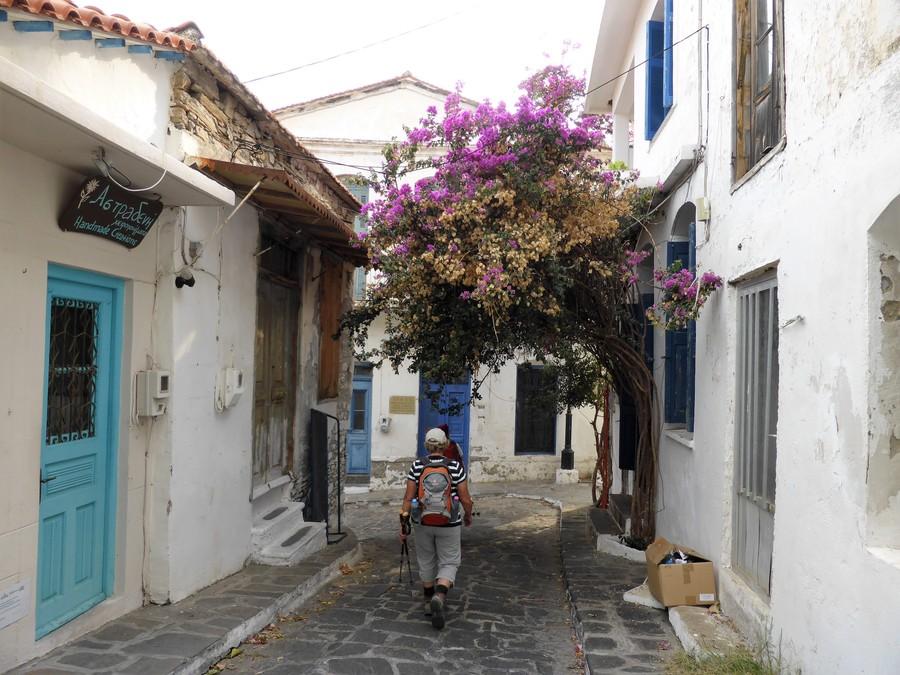 Улочки Икарии. Фото © Wikimedia Commons /  Rosa-Maria Rinkl