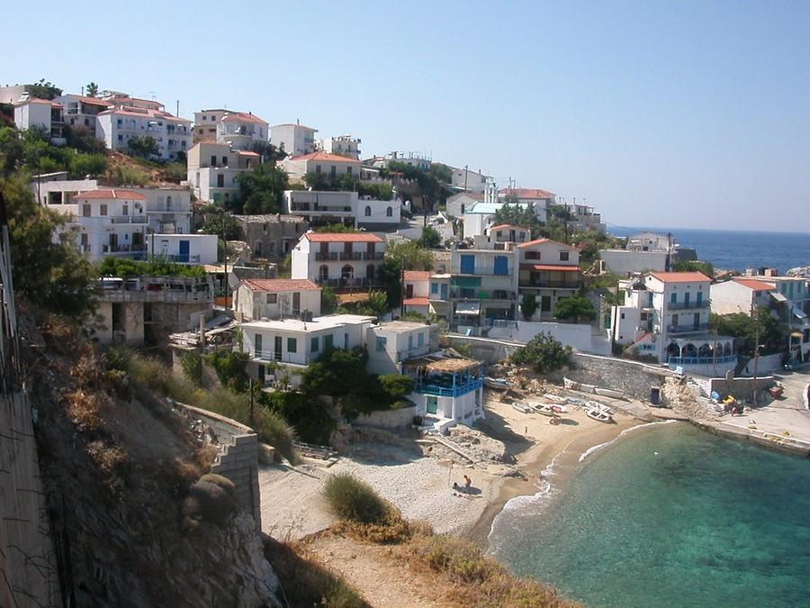 Икария, вид на деревню Арменистис. Фото © Flickr / t_y_l