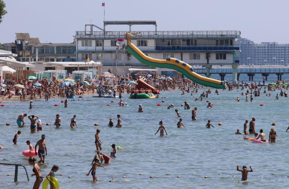 Собаки, флаги и буйки. Для россиян придумали новые запреты на пляже