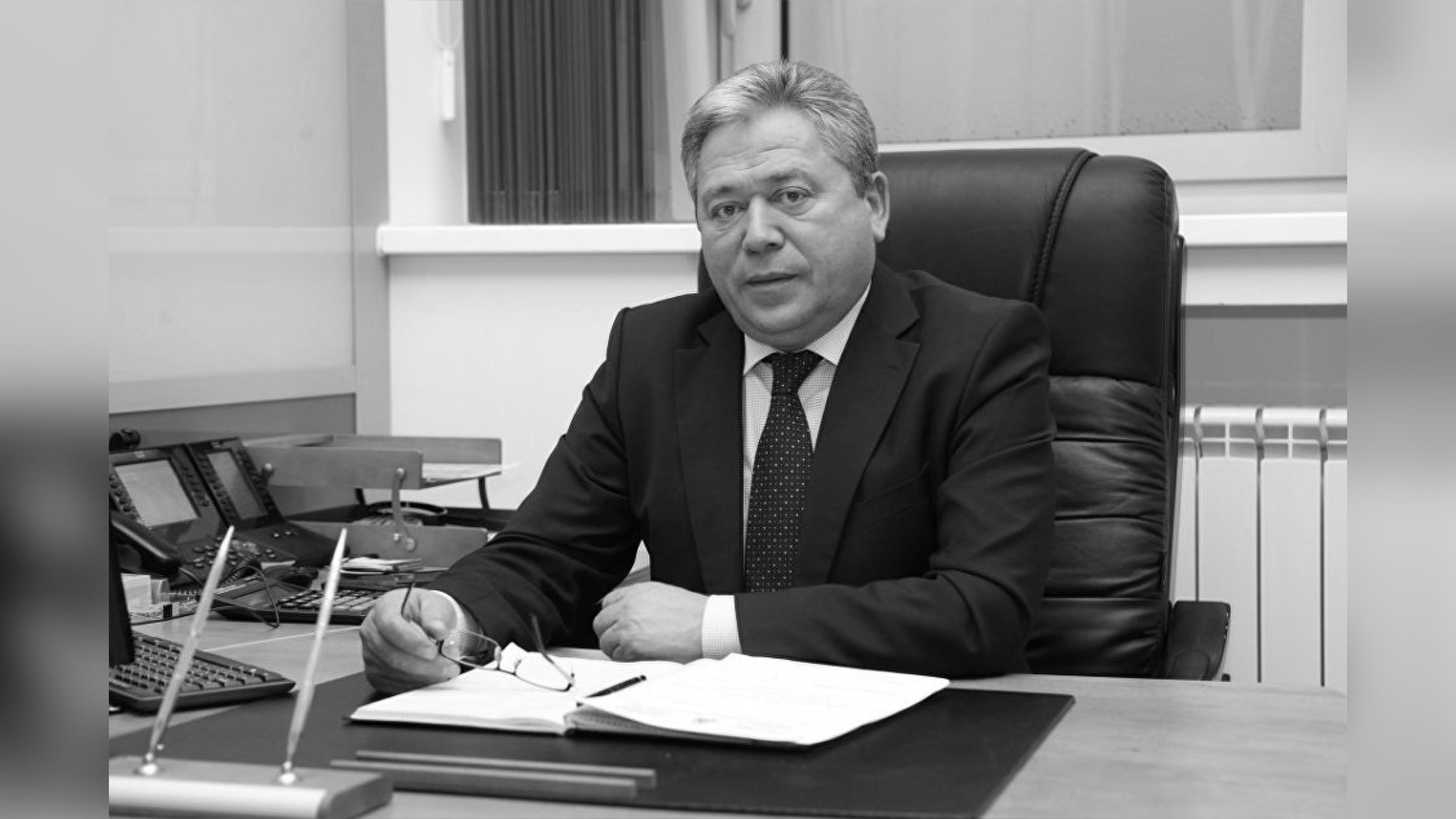 Мэр Уфы умер из-за осложнений после коронавируса