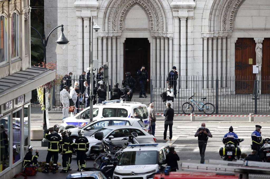 Обезглавливателем прихожанки в Ницце оказался 21-летний тунисец