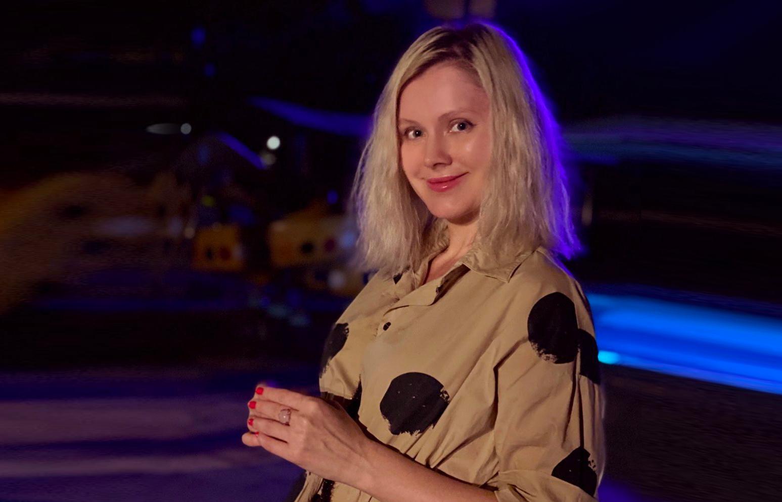 Фанаты заподозрили беременность у певицы Натали. И всё из-за пальто