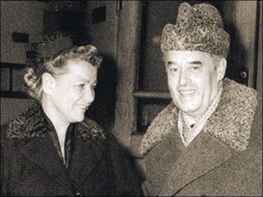 Фурцева с мужем Николаем Фирюбиным. Фото ©wikipedia