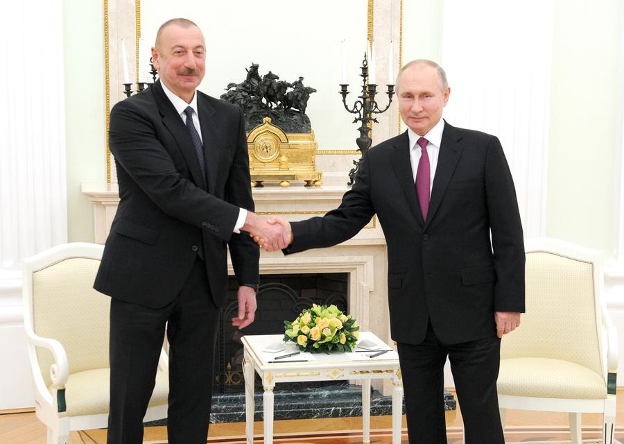<p>Президент Азербайджана Ильхам Алиев и президент России Владимир Путин (слева направо) во время переговоров в Кремле. Фото © ТАСС / Михаил Климентьев</p>
