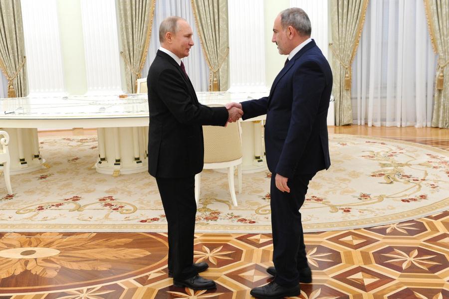"<p>Фото © <a href=""http://kremlin.ru/events/president/news/64877/photos/65106"" target=""_blank"" rel=""noopener noreferrer"">Kremlin.ru</a></p>"