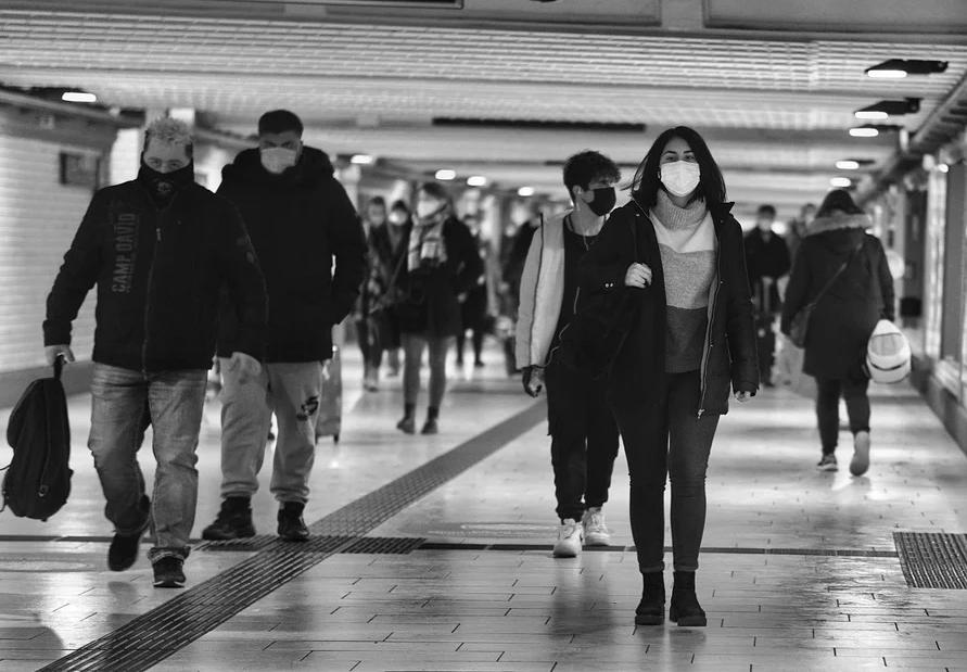 Привитых от коронавируса жителей Сахалина освободят от ношения масок