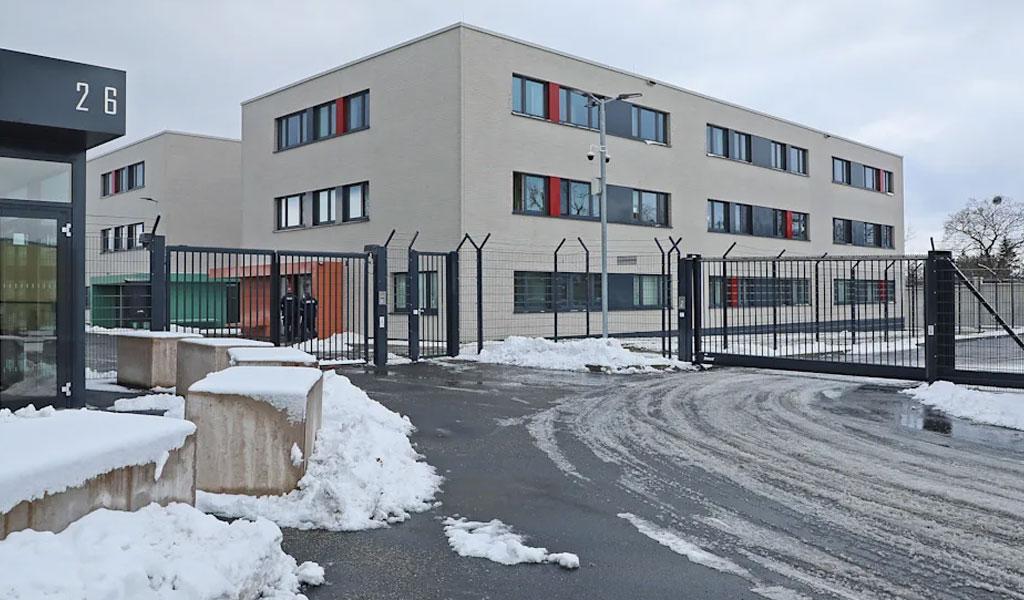 """В Германии планируют создать """"тюрьму"""" для нарушителей карантина"""