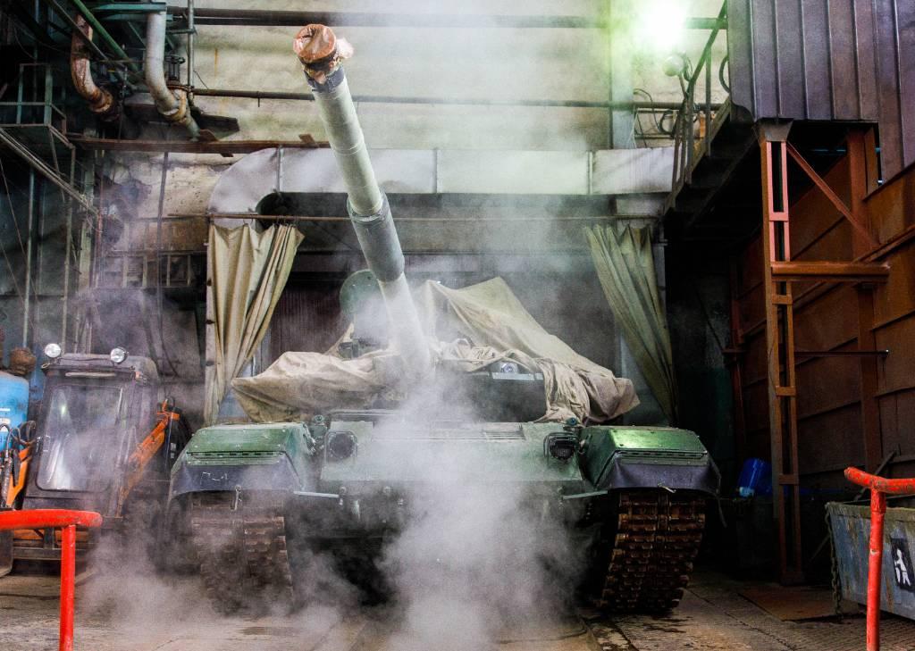 В России провели испытания новых боевых возможностей танков Т-90М