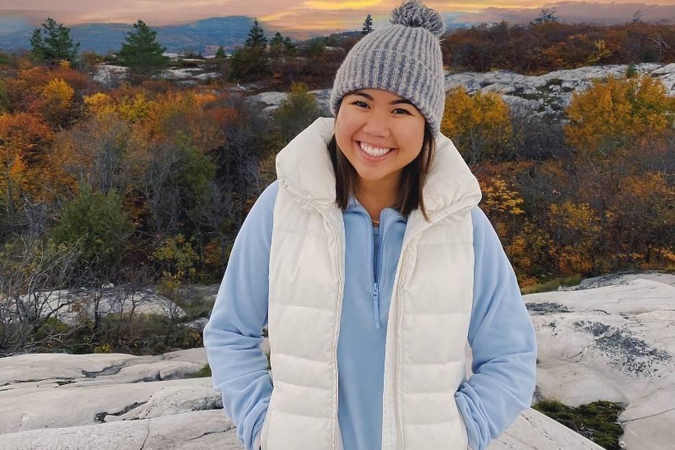 Тревел-блогерша потерялась в горах и в слезах позвонила своему парню, но утром её нашли уже мёртвой