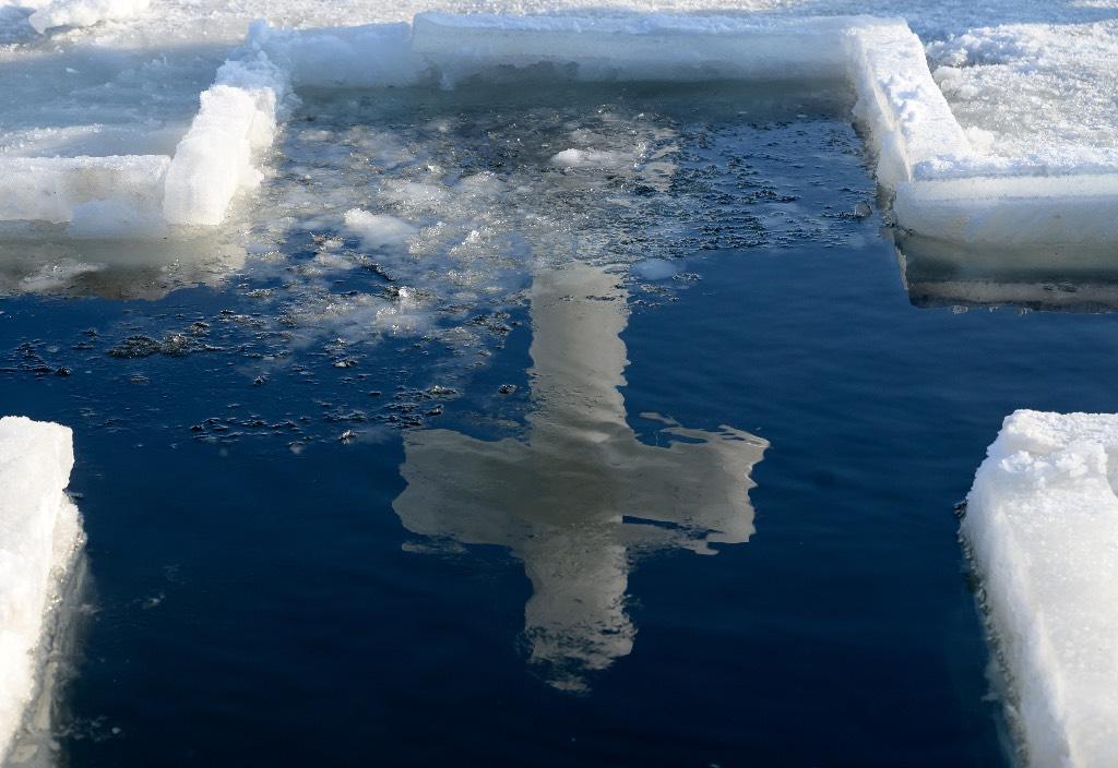 Крещенскую купель на Сахалине закрыли после обнаружения в ней нефтепродуктов