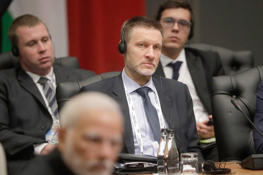 <p>Михаил Петраков (в центре). Фото © ТАСС / Михаил Метцель</p>
