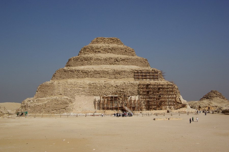 Ступенчатая пирамида Джосера. Фото © Википедия