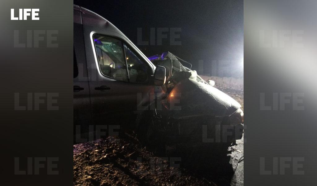 Три человека погибли в ДТП с микроавтобусом и легковушкой под Оренбургом