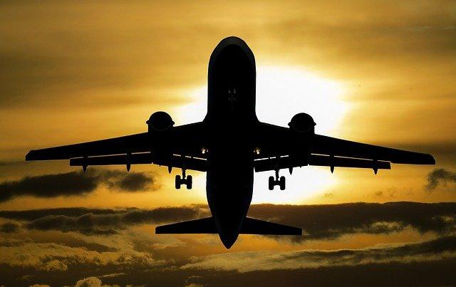 В Южно-Сахалинске пассажир умер на борту самолёта перед взлётом