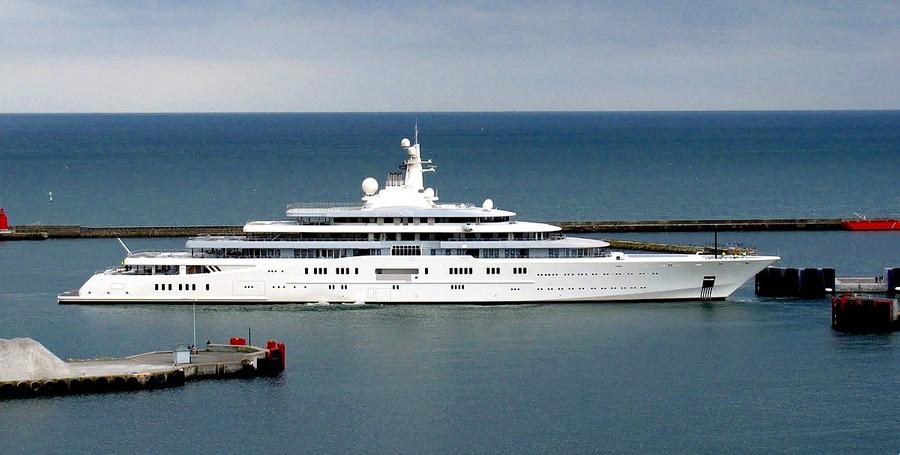 Яхта Eclipse, 162,5 м, владелец — бизнесмен Роман Абрамович. Фото © Wikimedia Commons
