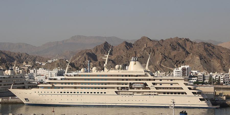 Яхта Fulk Al Salamah, 164 м, владельцы — королевская семья Омана. Фото © Wikimedia Commons